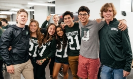A photo of Dartmouth Students from the Class of '21