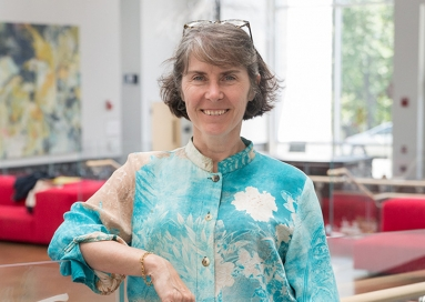 A photo of professor Amy Lawrence