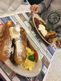 Big Green breakfast at Lou's
