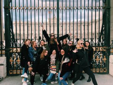 A contingent of this winter's Barcelona program making the most of life en español