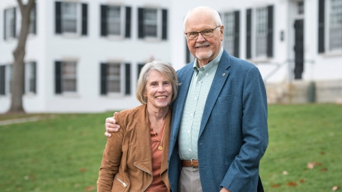 President Emeritus James Wright and Susan DeBevoise Wright in front of Dartmouth Hall