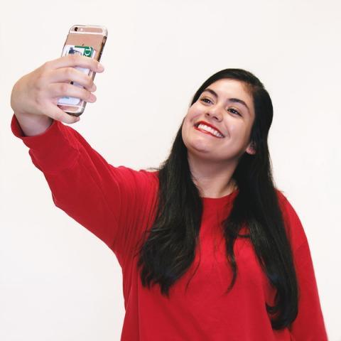 yadira taking a selfie