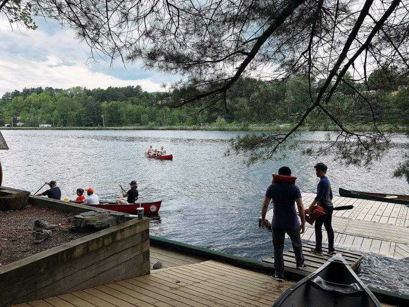 docks canoe