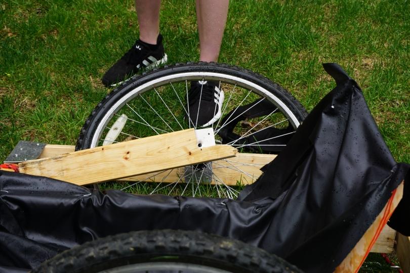 Broken DHE Chariot