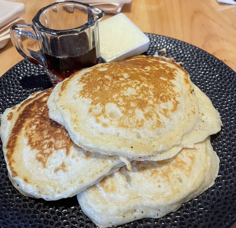 panckes and maple syrup