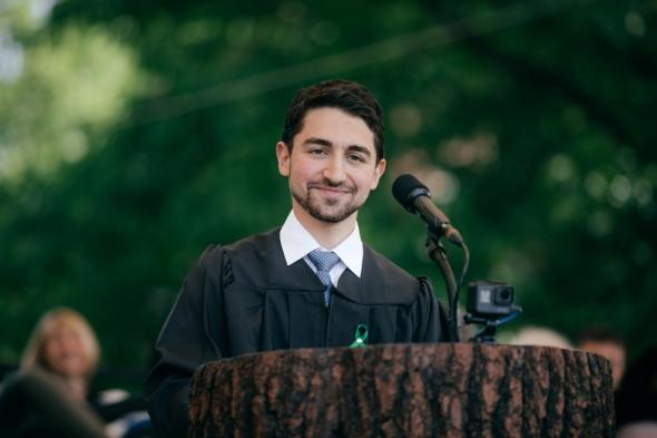 Nicholas Norwitz delivers his valedictory address
